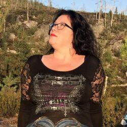 waisted corset svart langermet topp med blonde skuldre T085F443 Laila Ramona Hobbesland