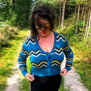 plus size good vibes langermet cardigan med sikksakk mønster CA3113 Laila Ramona Hauge